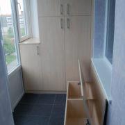 Купить встроенный распашной шкаф в Донецке