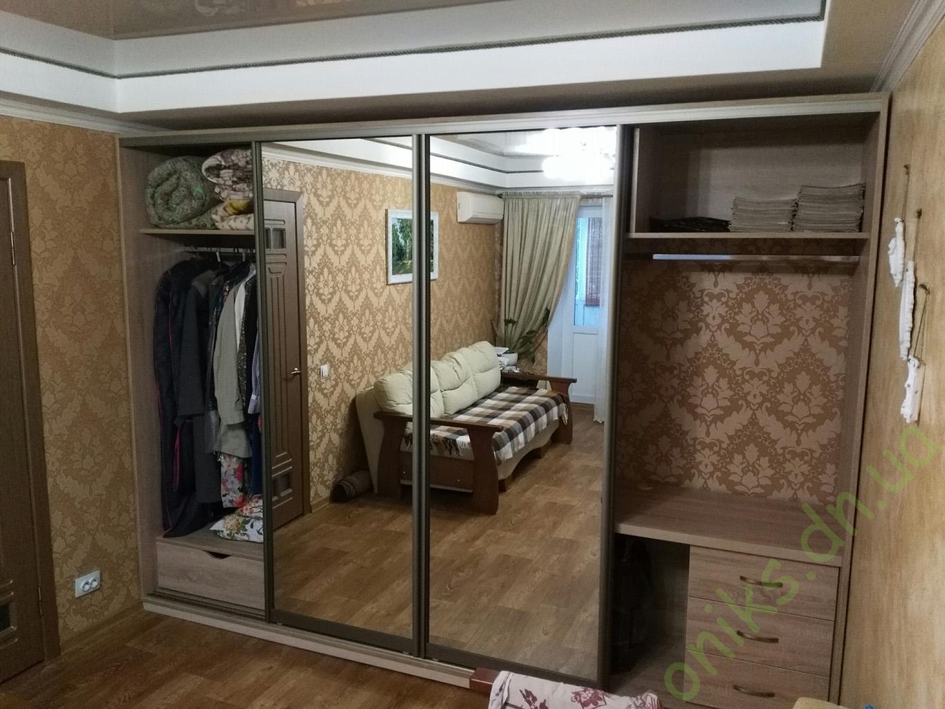 Купить шкаф-купе с комбинированными фасадами в Донецке