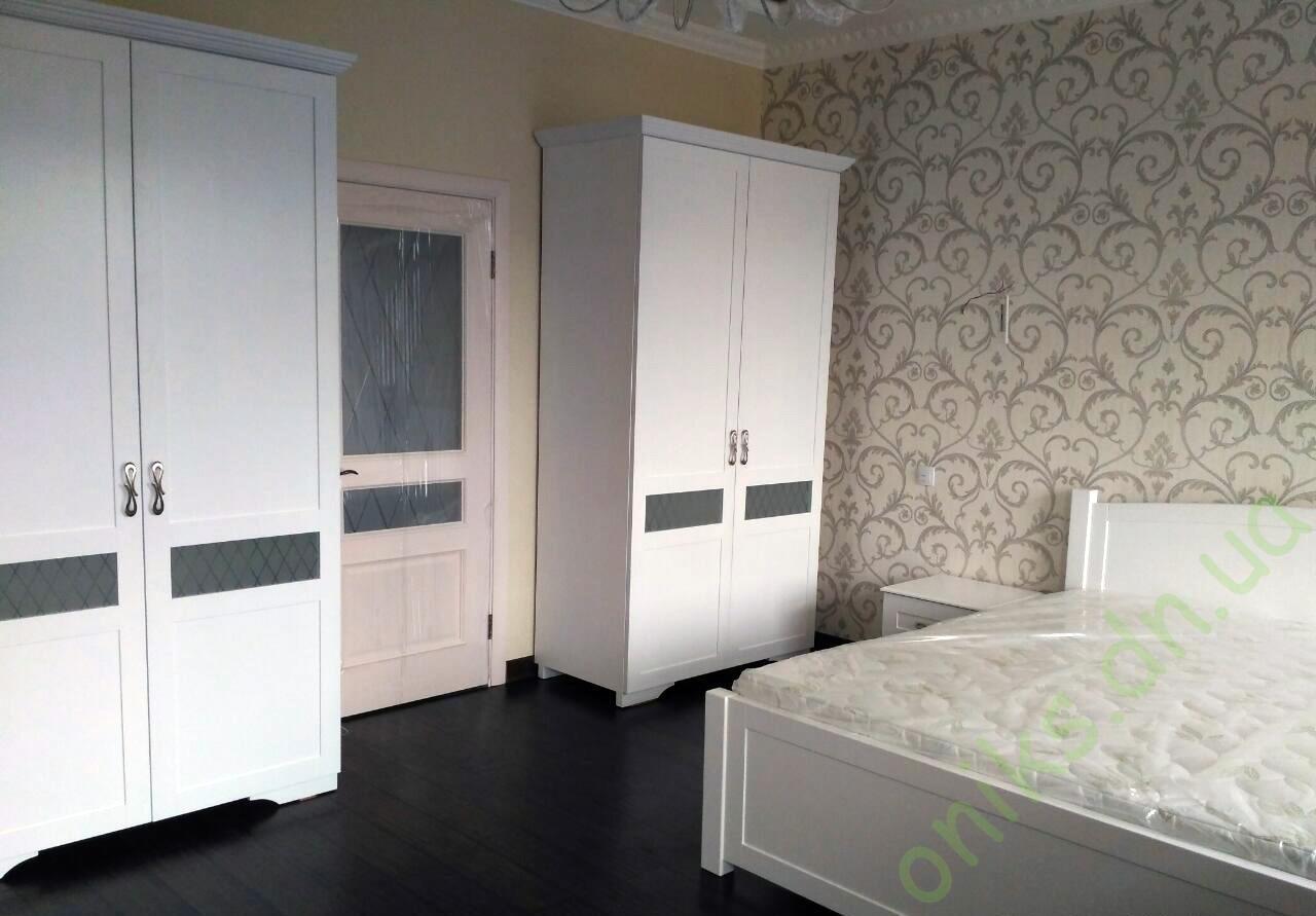 Купить распашной двухдверный шкаф для спальной комнаты Донецк