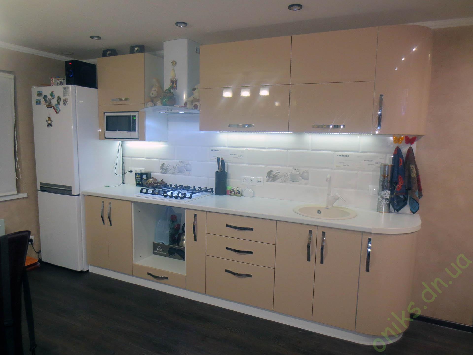 Купить прямую кухню с крашеными фасадами в Донецке