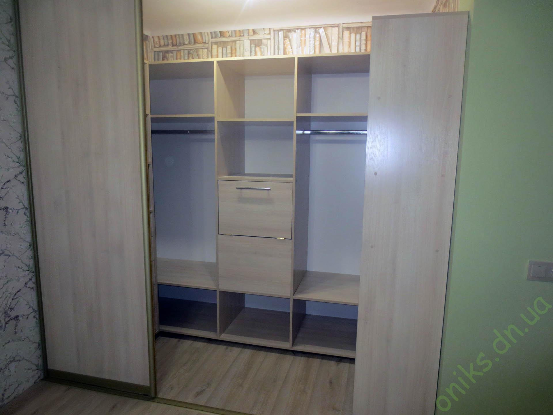 Купить шкаф для гардеробной с раздвижными дверями в Донецке
