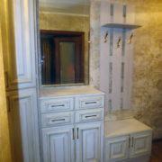 Купить двухдверную тумбу для обуви с открытой настенной вешалкой в Донецке