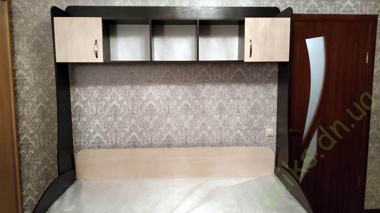 Купить односпальную кровать с верхними шкафчиками и бельевыми ящиками в Донецке