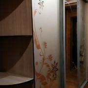 Купить трёхдверный шкаф-купе с радиусными полками в Донецке