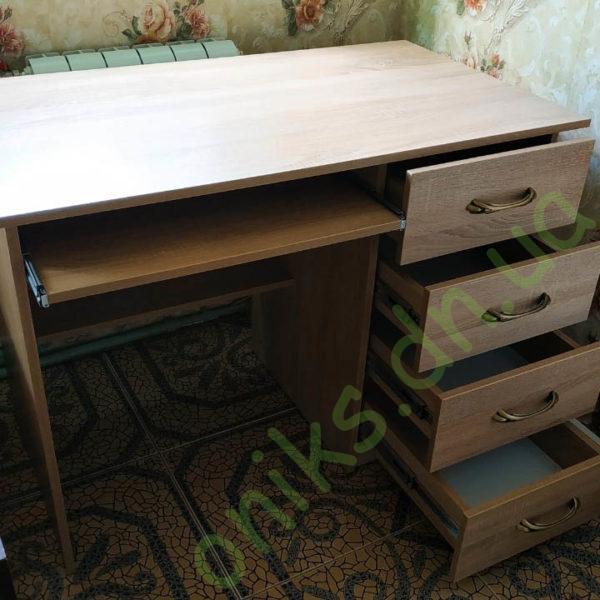 Купить однотумбовый письменный стол с четырьмя ящиками и выдвижной полкой под клавиатуру в Донецке