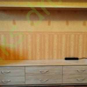 Купить тумбу ТВ с выдвижными ящиками и подвесной полкой в Донецке