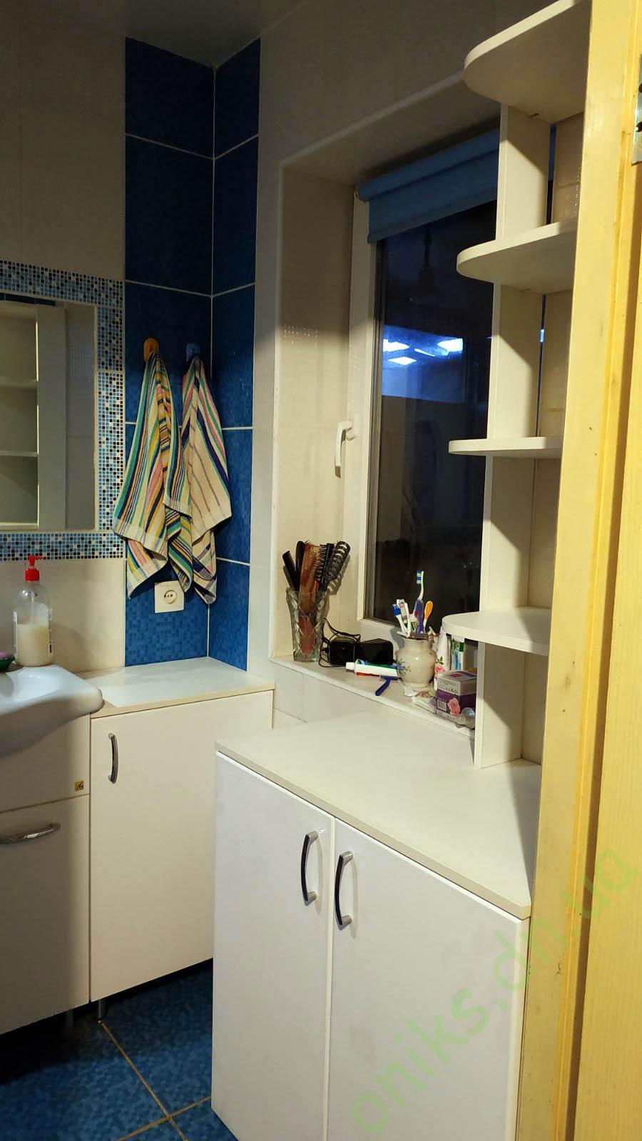 Купитьтумбу в ванную комнату с открытыми полками в Донецке