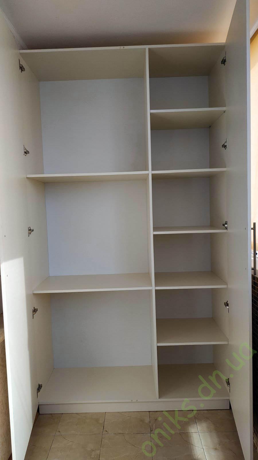 Купить шкаф распашной двухдверный на балкон в Донецке