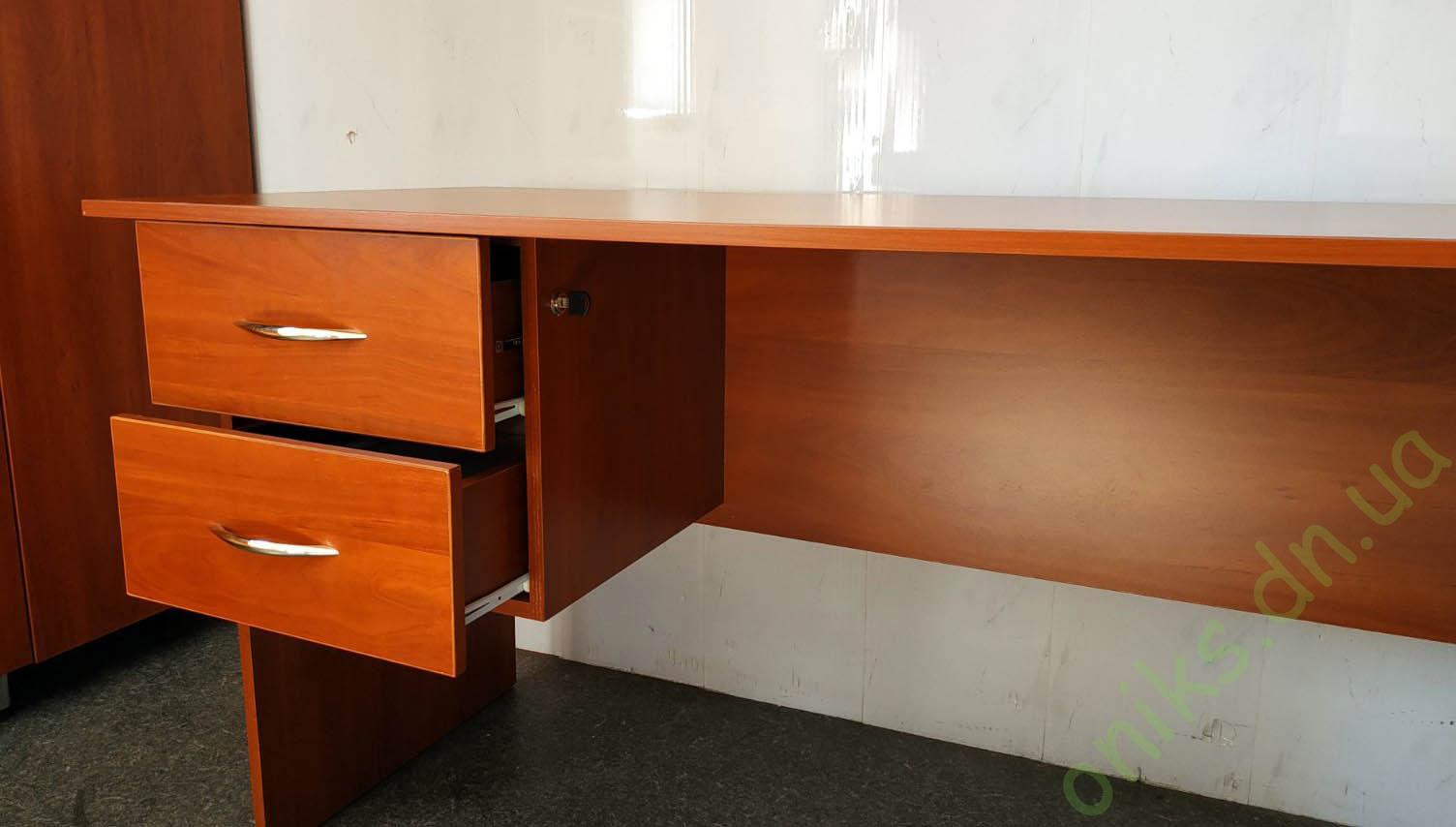 Купить стол письменный с подвесными выдвижными ящиками в Донецке