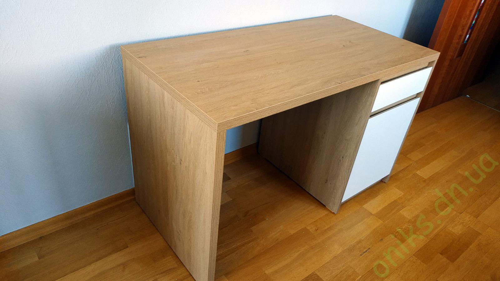 Купить стол письменный двухцветный в Донецке