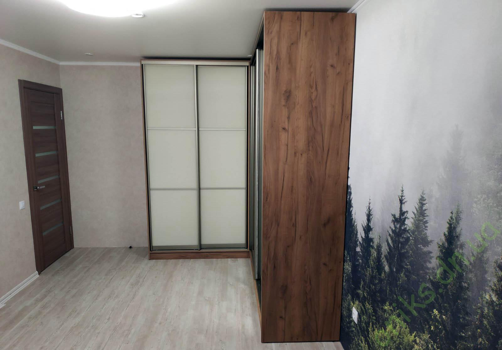 Купить шкаф-купе четырехдверный угловой в Донецке