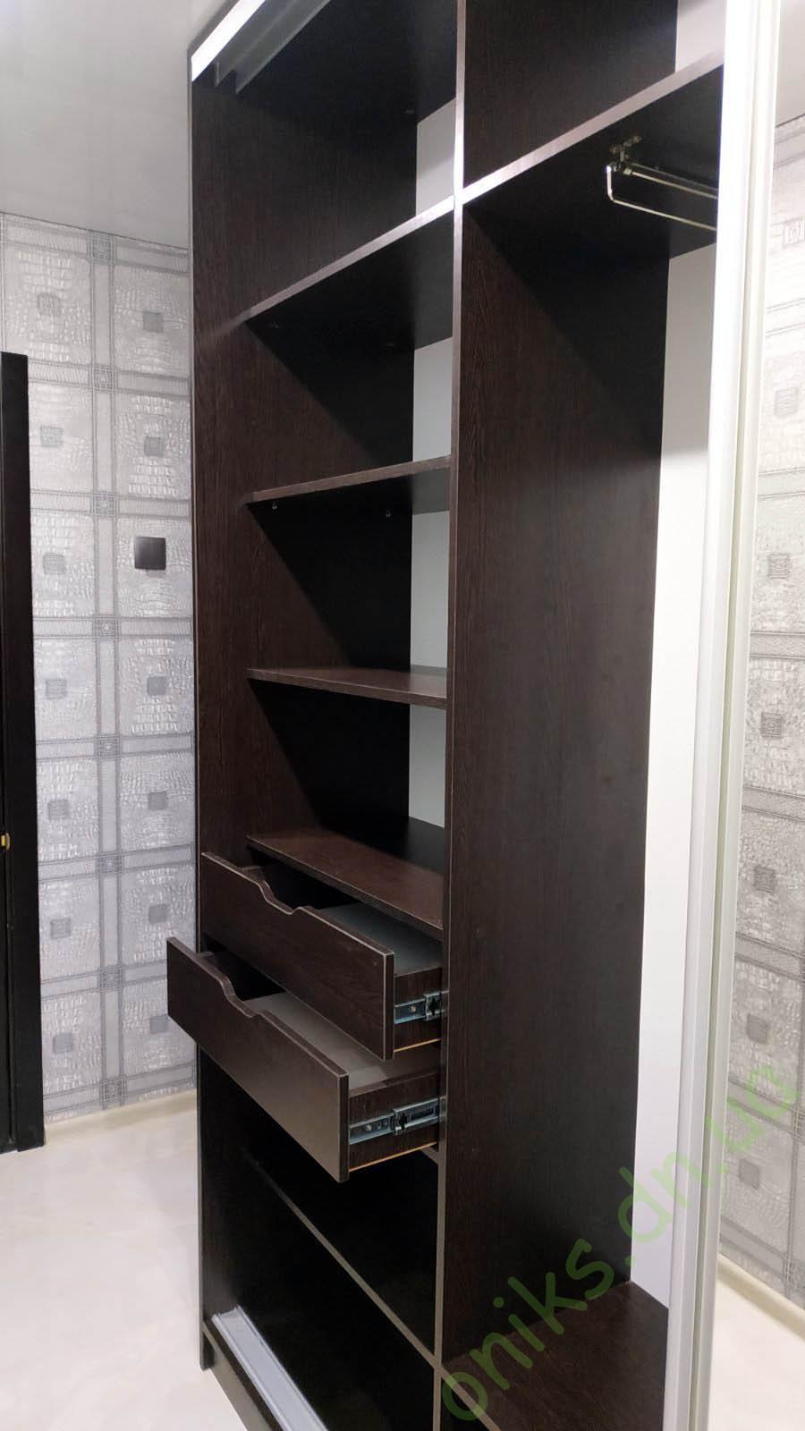 Купить шкаф-купе трёхдверный зеркальный в Донецке