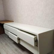 Купить тумбу ТВ подвесную с выдвижными ящиками и приставным консольным столиком в Донецке