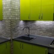 """Купить линейную кухню """"Лайм"""" с островом и дополнительным модулем в Донецке"""