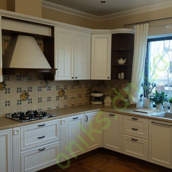 Купить угловую кухню с белоснежными фасадами в Донецке