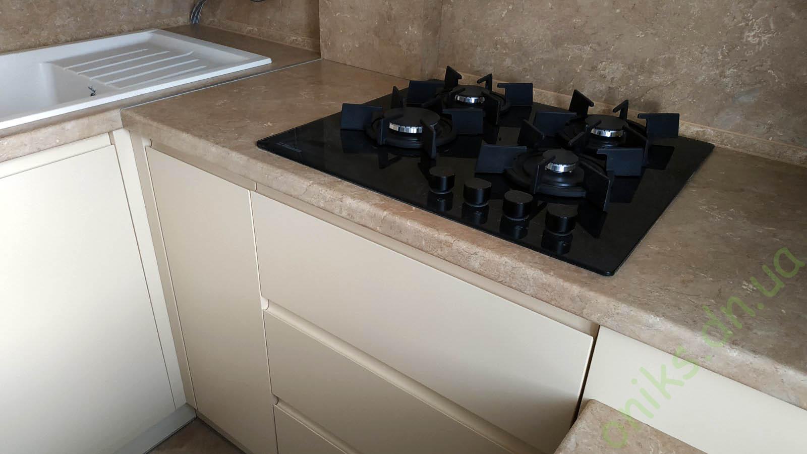 Купить кухню угловую с дополнительной столешницей-столом в Донецке