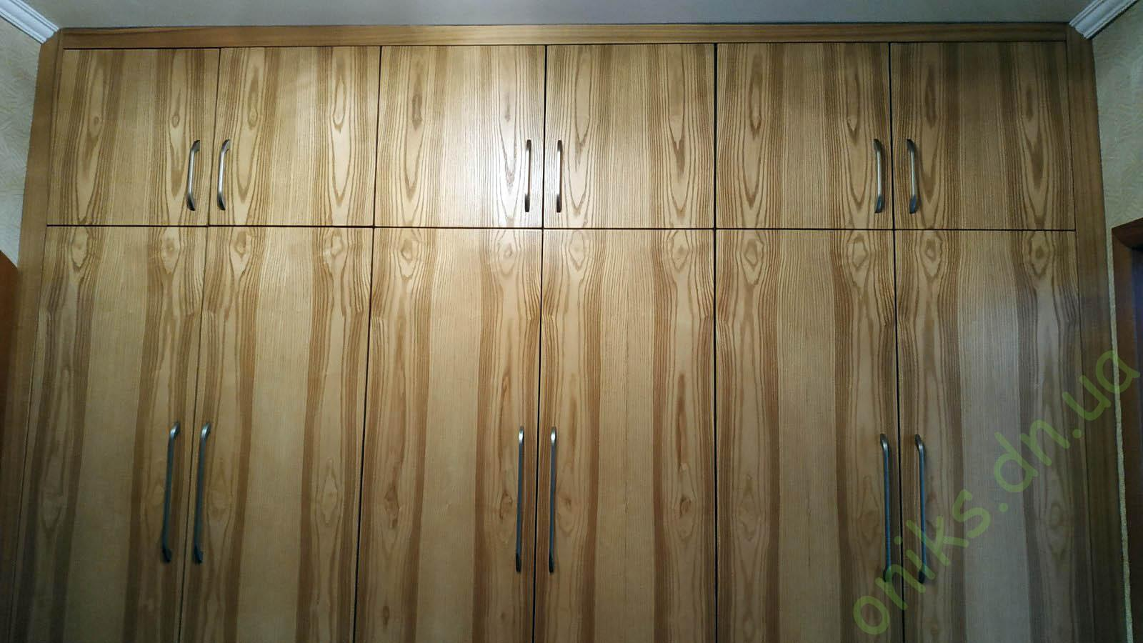 Купить шкаф с распашными дверями встроенный в нишу в Донецке