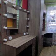 Купить стол визажиста в Донецке
