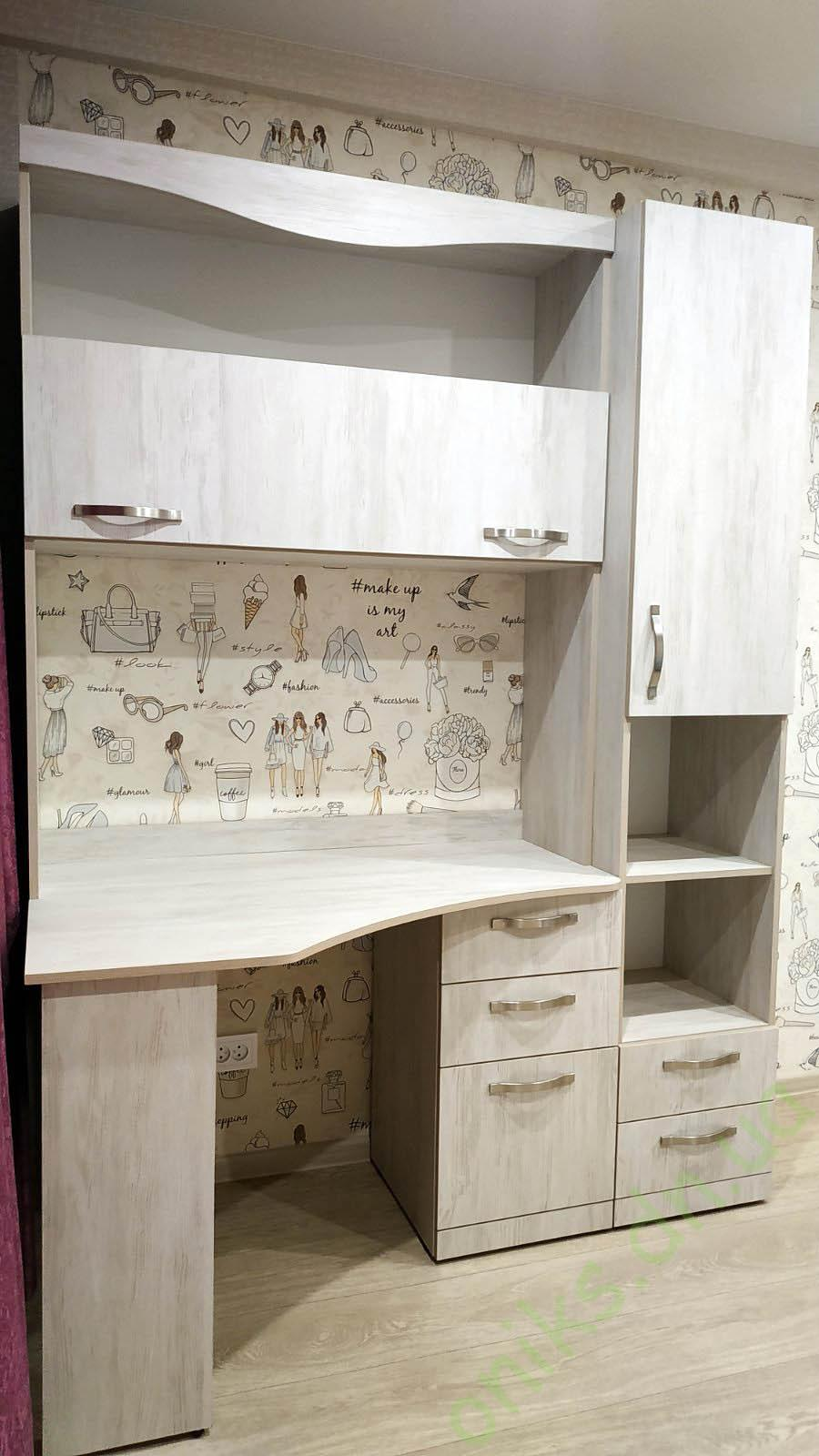 Купить стол письменный с надстройкой и пеналом в Донецке