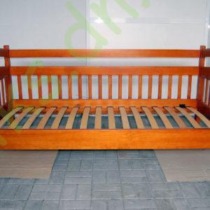 Деревянная односпальная кровать в Донецке