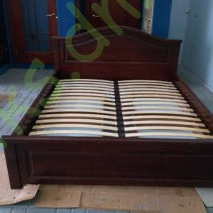 двуспальная деревянная кровать с выкатывающимися ящиками в Донецке