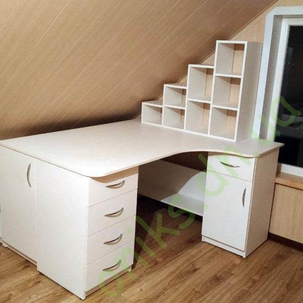 Купить письменный двухтумбовый стол с дополнительной тумбой и полками в Донецке
